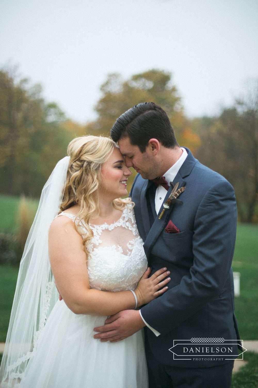 dubuque wedding photographer, western wisconsin wedding photographers, eastern Iowa wedding photographers, Gatherings on the Ridge