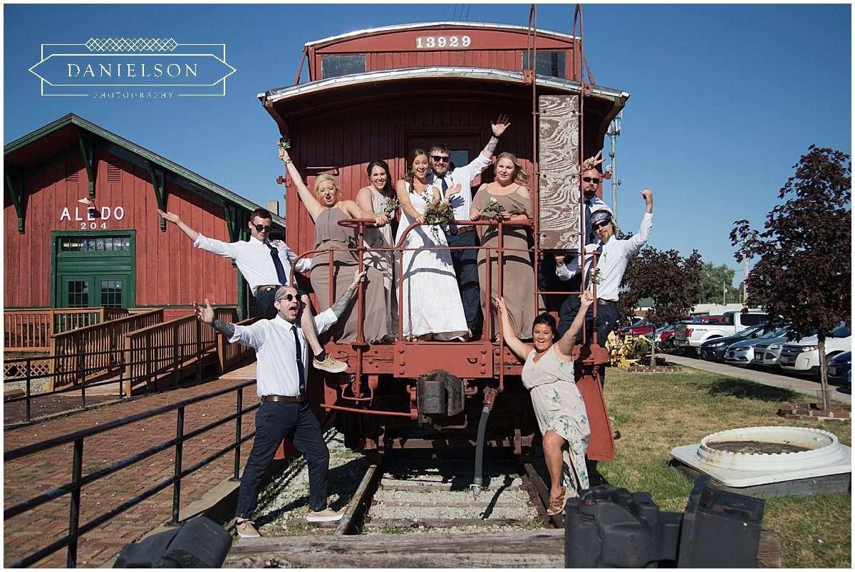 Quad CIties family farm wedding, quad cities weddings, quad cities wedding photographer, Iowa CIty wedding photographer, Cedar Rapids wedding photographer